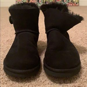 UGG women mini bailey button boot